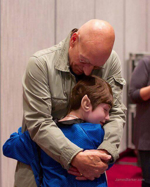 Patrick is a class act and spent some quality time with Dawn and as their meeting wrapped up, Dawn reached over and gave a huge hug to Sir Patrick that was brilliantly captured by photographer James Barker.
