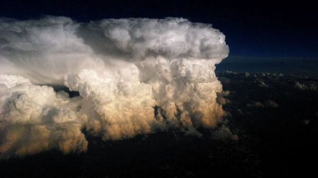 12 Types of Clouds That Are Awesome - Image 4 - Cumulonimbus clouds.