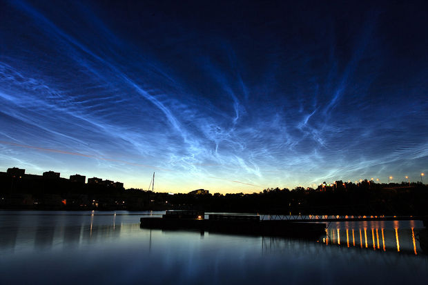 12 Types of Clouds That Are Awesome - Image 3 - Noctilucent (night) clouds.