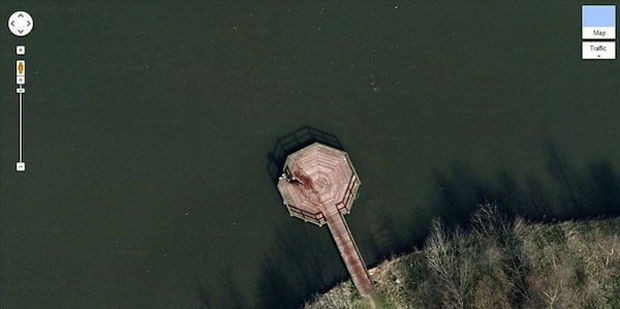 25 Weird Things Found on Google Maps - Is it just me or are they dragging something suspicious?