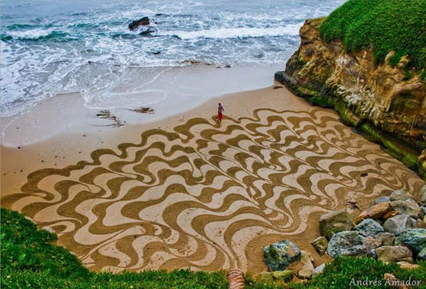 Andre Amador Creates Sand Drawings - Here are more of Amador's creations...