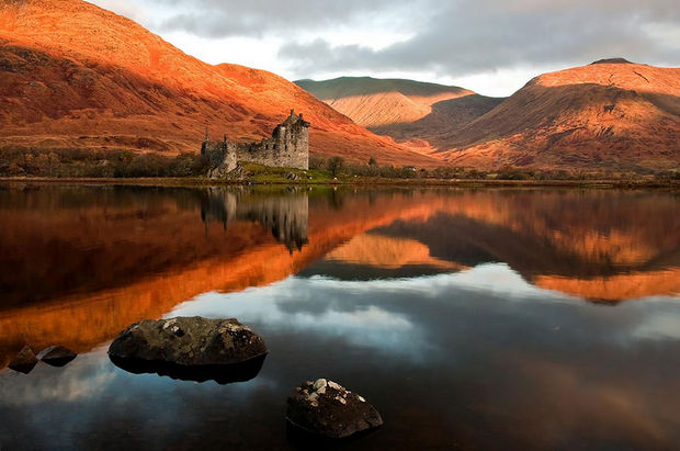Fall colors at Kilchurn Castle, Scotland