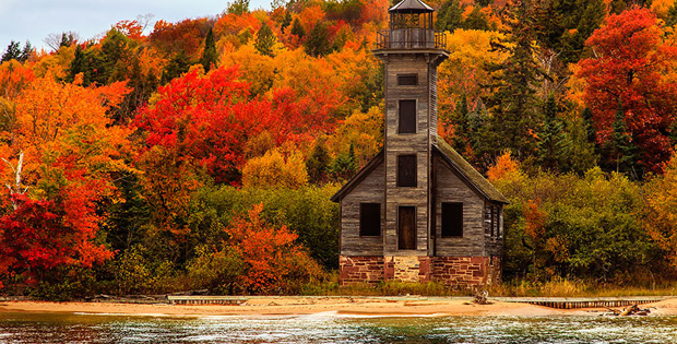 These 14 Fall Foliage Landscapes Are Some of the Most Colorful and Spectacular Displays of Nature