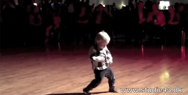 This 2-Year-Old Boy Dancing Jive Can Certainly Work an Audience!