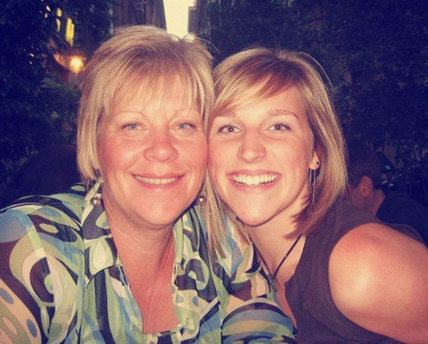 A recent and pretty photo of Danielle and her mother. These photos must have been a great gift for both.