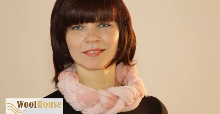 Style #10 - 19 awesome ways to tie a scarf or shawl.