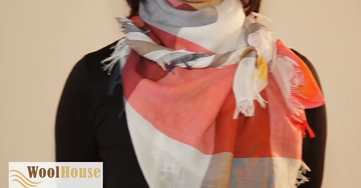 Style #14 - 19 awesome ways to tie a scarf or shawl.