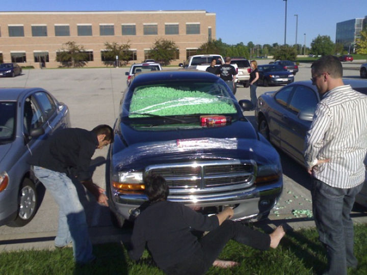 25 Office Pranks - This truck owner just got punked, office-style.