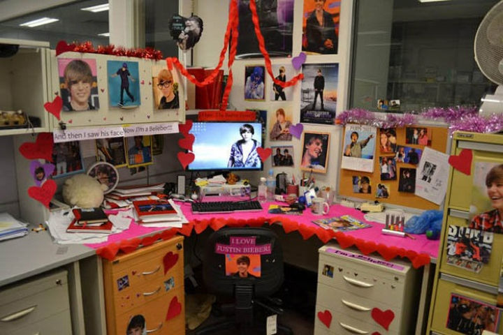 25 Office Pranks - Perfect for the co-worker who has Bieber Fever.