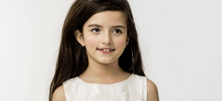 Angelina Jordan Sings 'Fly Me to the Moon' Flawlessly.