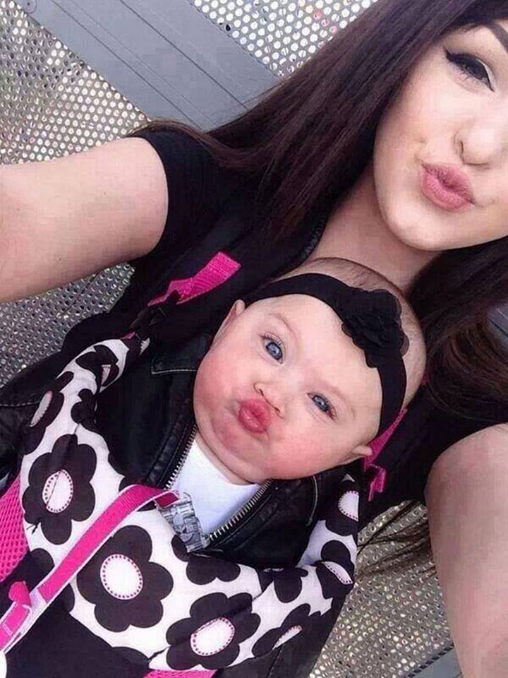 20 Mother and Daughter Pictures - It's selfie time!