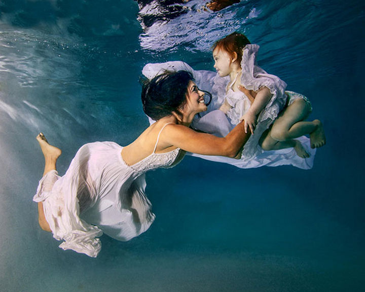 20 Mother and Daughter Pictures - Water babies.