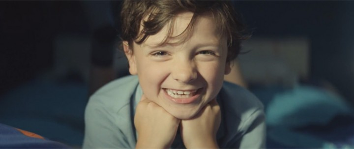 John Lewis Advert 2014 - Kid Buys the Best Gift Ever for Monty the Penguin.