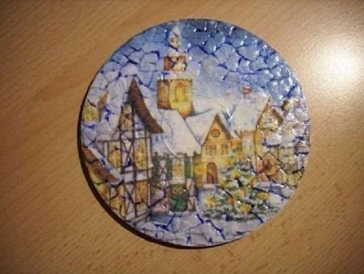 13) Create Beautiful Textured Art With A CD And Broken Egg Shells.