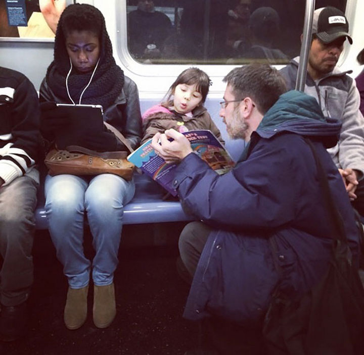 16 Super Dads Are Heroes to Their Kids - Even after a long day at work, this father takes time to teach his children on the ride home.