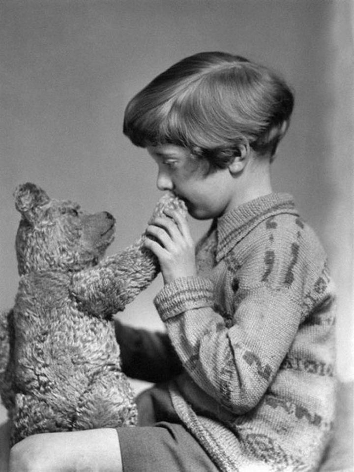 21 Historical Photos - The real Winnie the Pooh & Christopher Robin, 1927.