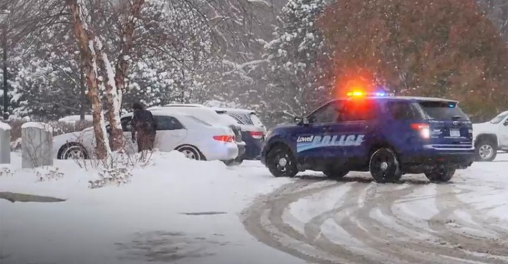 Lowell Police Give Christmas Presents During Traffic Stop.