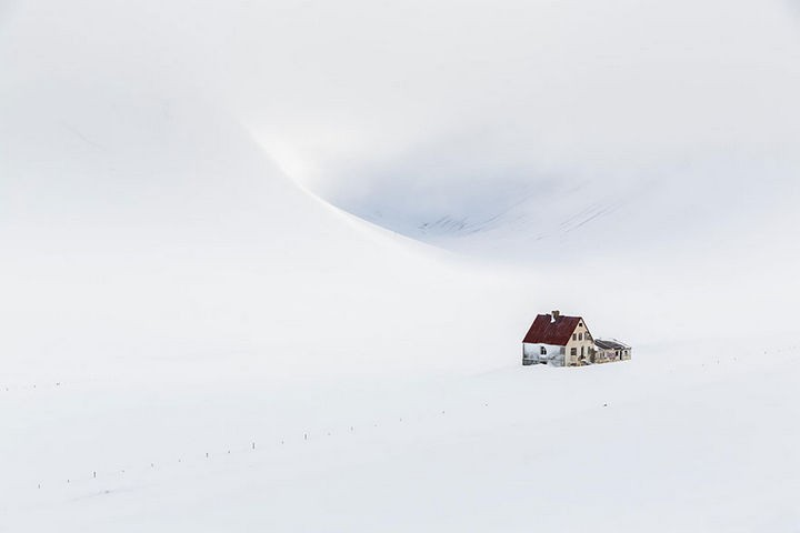 22 Cozy Houses in a Winter Paradise - An abandoned house in Öxnadal, Iceland.