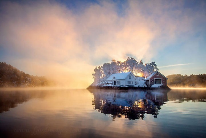 22 Cozy Houses in a Winter Paradise - Winter summer house in Bergen, Norway.