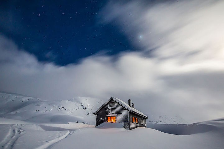 22 Cozy Houses in a Winter Paradise - Isolated cabin in Bergsdalen Mountains, Norway.