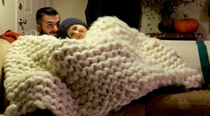 Imgur user Otterknot knitted a giant blanket that looks incredibly warm and fluffy.