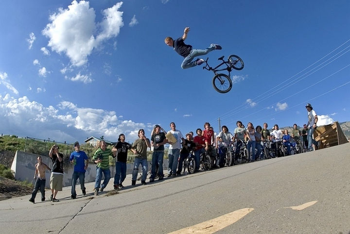 25 Photos Before Disaster Strikes - I don't think this stunt is supposed to involve getting ejected from the bike.