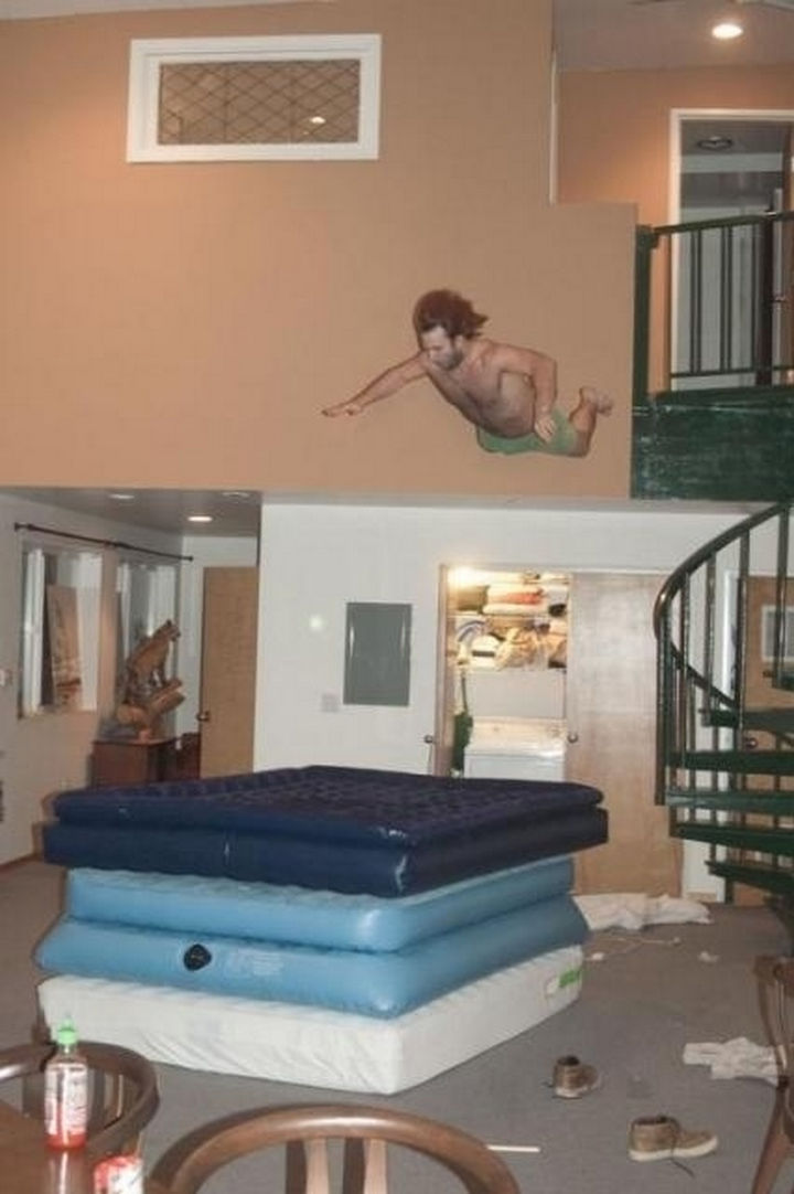 25 Photos Before Disaster Strikes - I hope this jump has a happy ending!