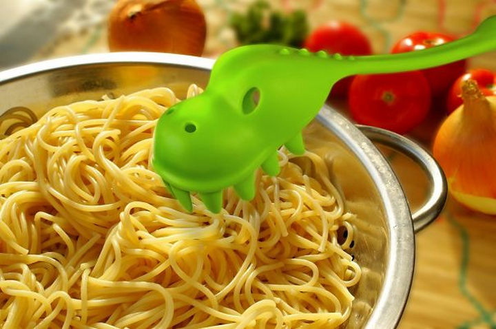 35 Kitchen Gadgets To Make Any Kitchen Guru Happy - Fred and Friends PASTASAURUS Pasta Server.