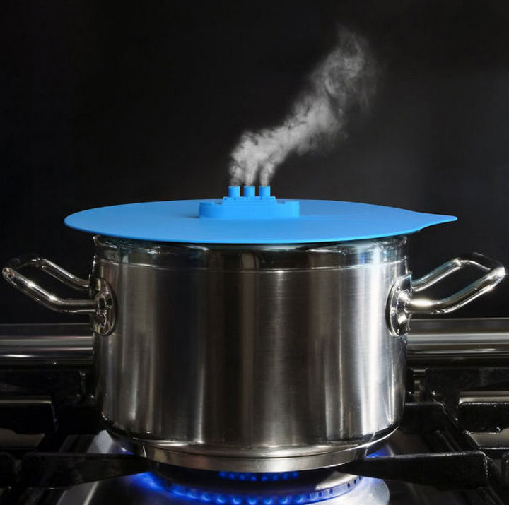 35 Kitchen Gadgets To Make Any Kitchen Guru Happy - Fred and Friends STEAM SHIP Silicone Steaming Lid.