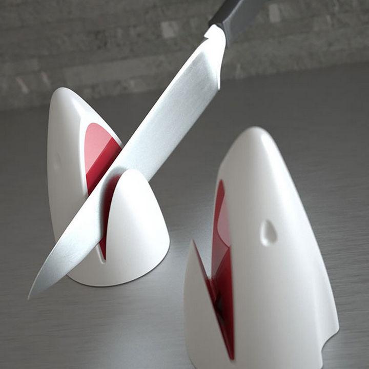 35 Kitchen Gadgets To Make Any Kitchen Guru Happy - Jaws Knife Sharpener.
