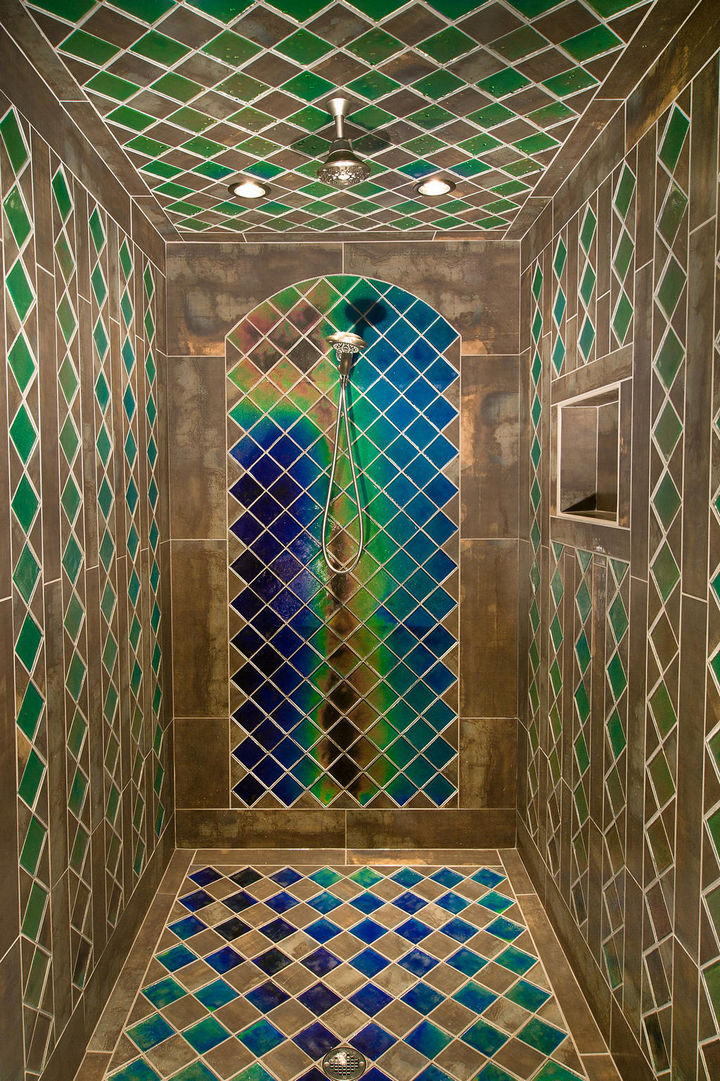 13 Beautiful Showers - Shower with heat sensitive tiles.