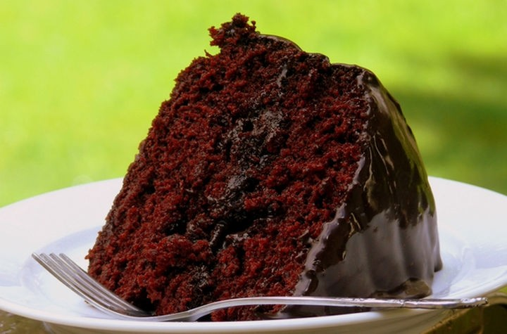 19 Chocolate Cake Recipes That Are Better Than Any Boyfriend - Old-Fashioned chocolate cake with glossy chocolate icing.