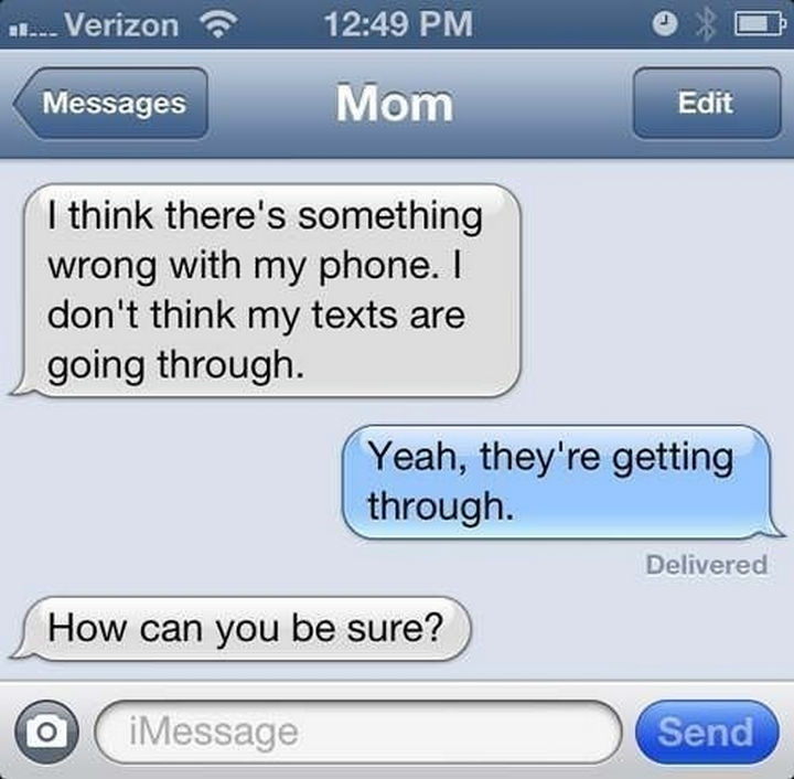 22 Hilarious Texts between Parents and Their Kids - Houston, we have a problem.