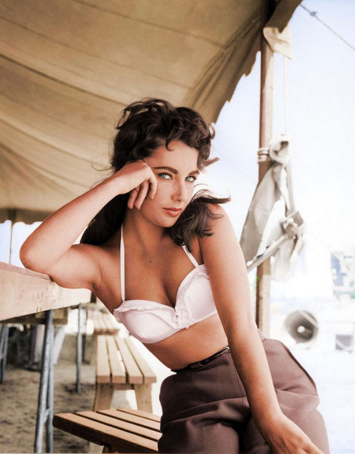 58 Colorized Photos from the Past - Elizabeth Taylor, 1956.