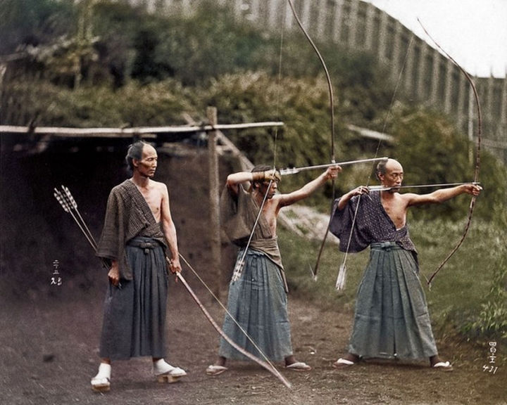 58 Colorized Photos from the Past - Samurai Training, 1860.