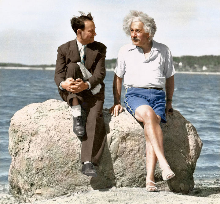 58 Colorized Photos from the Past - Albert Einstein and David Rothman on a Long Island beach in the summer of 1939.