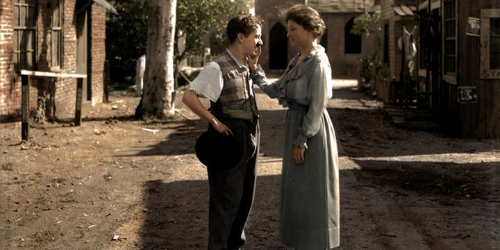 58 Colorized Photos from the Past - Helen Keller meeting Charlie Chaplin, 1919.