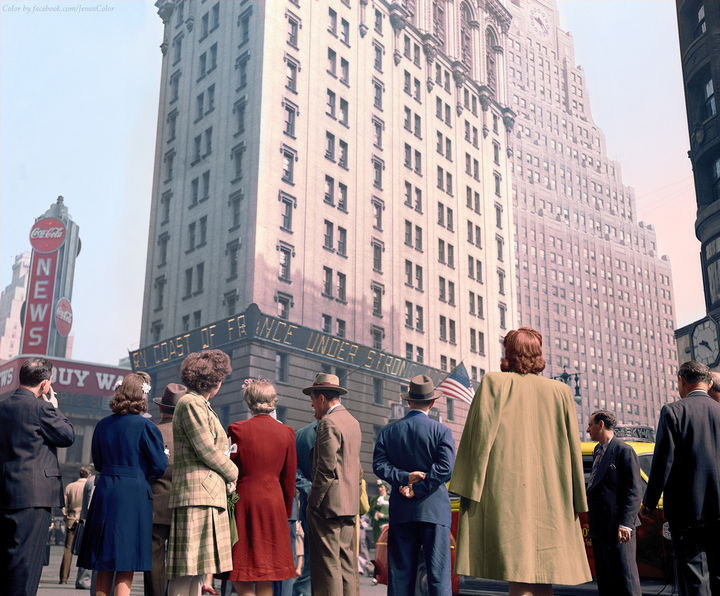 58 Colorized Photos from the Past - Times Square, D-Day, 1944.