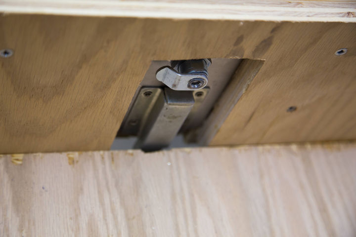 This is what the lock looks like for the drawer and uses a lock handle used for truck boxes.
