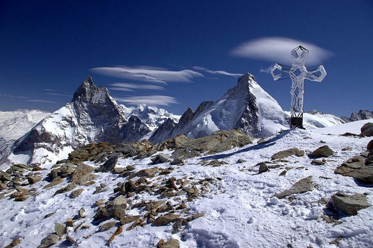 top 25 cities 12 Zermatt Switzerland 02