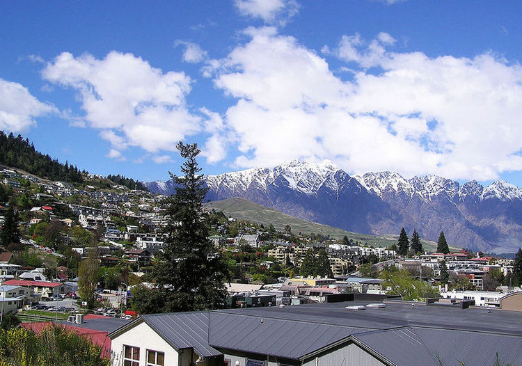 top 25 cities 22 Queenstown New Zealand 02