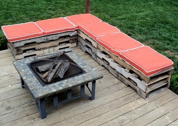 34 DIY Backyard Ideas for the Summer - Create a makeshift sectional seating area by repurposing inexpensive wooden pallets.