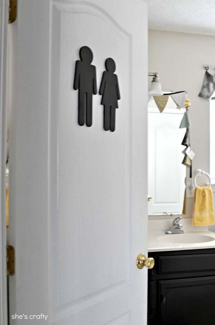 Put a sign on the bathroom door to let guests find it easily - 37 Home Improvement Ideas