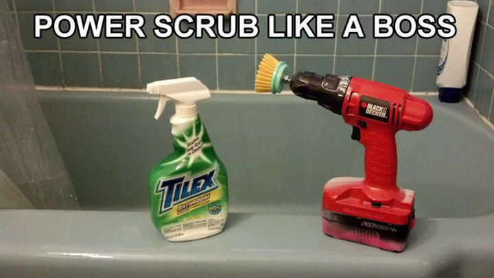 51 Crazy Life Hacks - With tile cleaner and a power drill, mildew doesn't stand a chance. Power scrub like a boss.