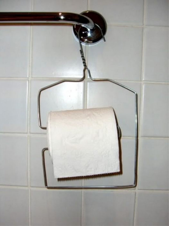 51 Crazy Life Hacks - Cheap and economical DIY toilet roll dispenser.
