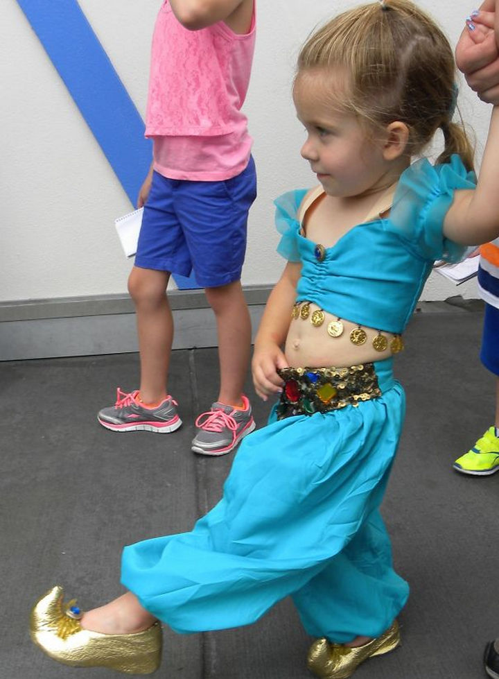 DIY Princess Jasmine costume from Aladdin.