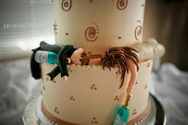 18 Funny Wedding Cake Toppers - A night to remember?