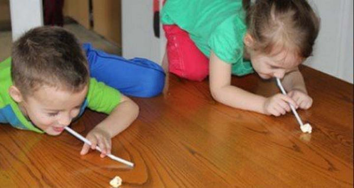 36 Summer Activities for Kids That Cost Less Than $10 - Have your kids compete in the Popcorn Olympics!