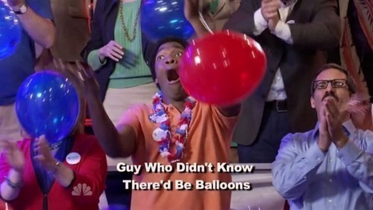 44 Incredibly Funny Pictures That Will Make You Smile - This guy loves balloons a little TOO much.