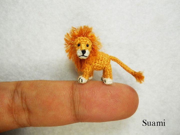 Mini crochet lion.